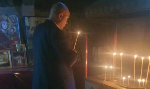 Иван Гешев запали свещ преди срещата с Лаура Кьовеши