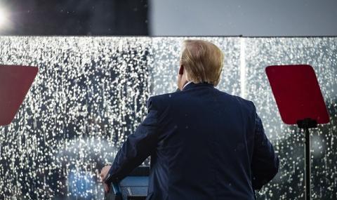 Тръмп се страхува! Вдига ограда около Белия дом