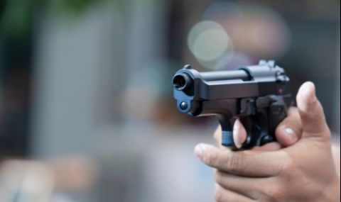 Стрелба в жилищен блок в