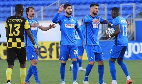 Централен защитник на Левски е аут за мача с Черно море