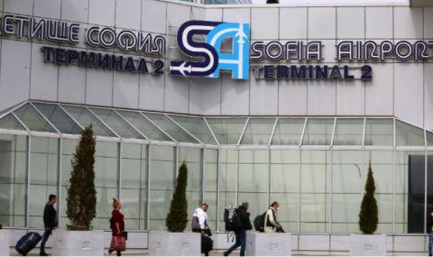 Пътуващи за Швейцария блокирани за часове на летище София