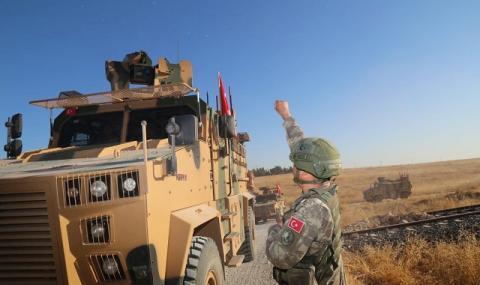 Турция пак трупа бойна мощ на границата