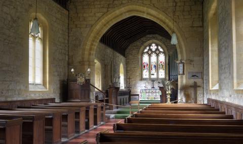 Безвъзмездна помощ за църквите на Острова