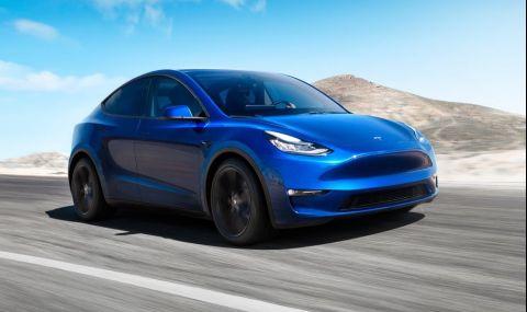 Tesla връща пари на клиентите си