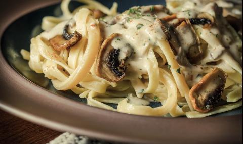 Рецепта за вечеря: Фетучини с гъбен сос