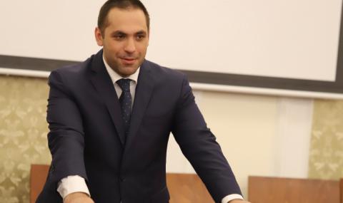 Емил Караниколов: Не е вярно, че държавата не може да управлява бензиностанции