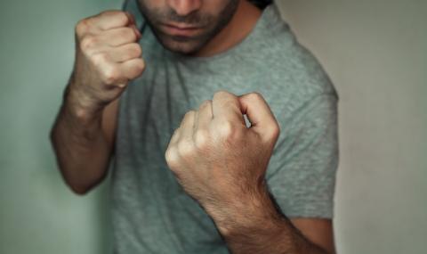 14-годишен нападна и обра мъж в Хасково