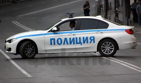 Рецидивист бяга на полицаи, куче намери дрога в колата му