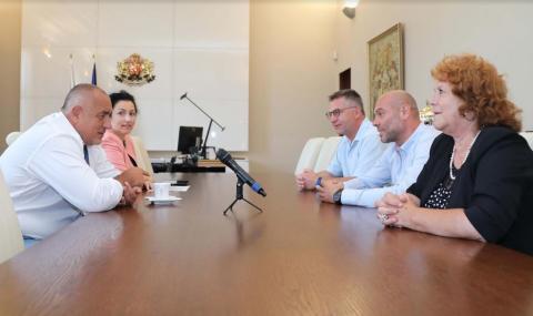 Борисов развърза кесията и за животновъдите