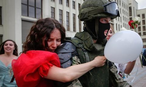Полицаите, които отказаха да служат на Лукашенко:
