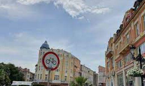 Шестима колабираха от жегата в Пловдив - 1