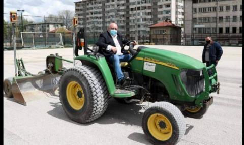 "Кралев ""яхна"" трактор при инспекция в Габрово"