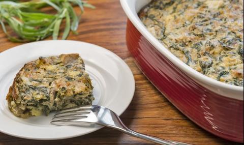 Рецепта за вечеря: Запеканка със спанак, яйца и сирене