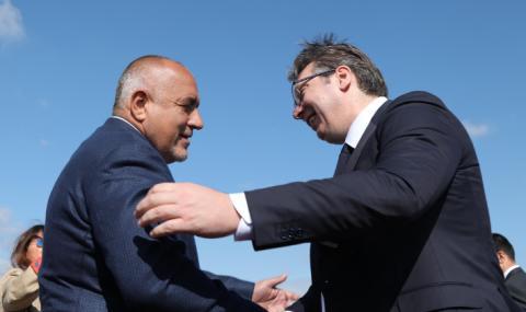 """Премиерът и сръбският президент инспектираха """"Балкански поток"""" с хеликоптер"""