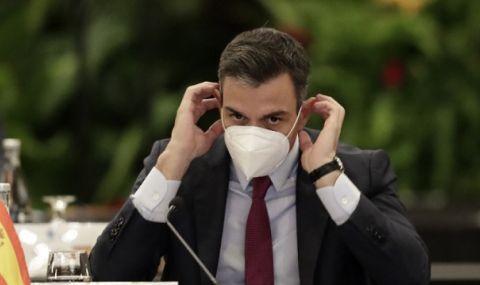 Премиерът на Испания: Скоро вече няма да носим маски на открито!