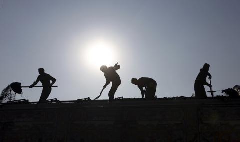 Евростат: Само 0,3% от българите работят от вкъщи