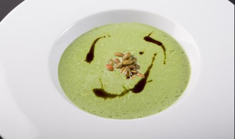 Рецепта за вечеря: Крем супа от тиквички и авокадо