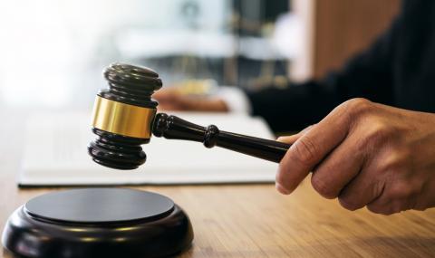 Прокурор подаде оставка, след като призна, че е масон