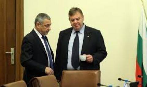 Каракачанов: Уведомих най-възпитано г-н Симеонов, че желаем да се явим сами