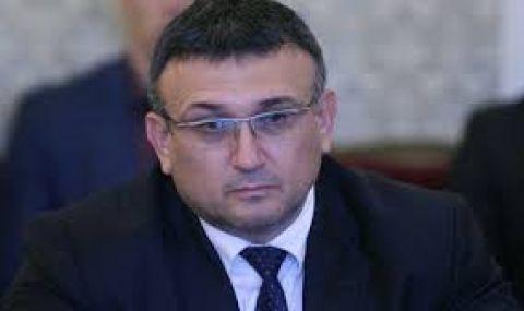 Младен Маринов: Репресират доказани професионалисти