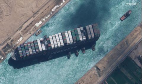 Разкриха причината, довела до блокирането на Суецкия канал
