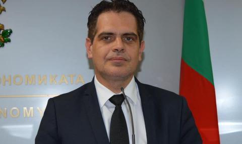 Министърът на икономиката се самоизолира въпреки отрицателен PCR тест