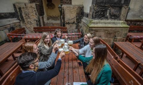 Чехия позволява масови събирания