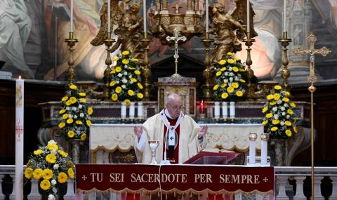 Папа Франциск: Усещаме надеждата, идеща от възкресението Христово