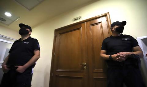 Оставиха в ареста дясната ръка на Васил Божков