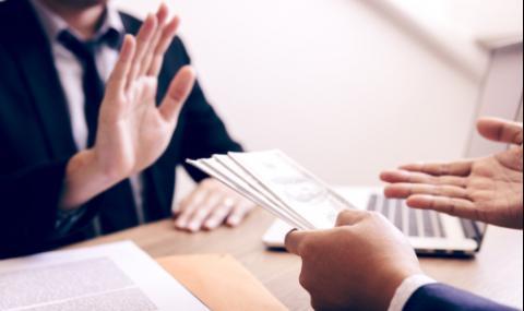 Икономист за ограниченията в кеш плащанията: Жертва сме на лобизъм (ВИДЕО)