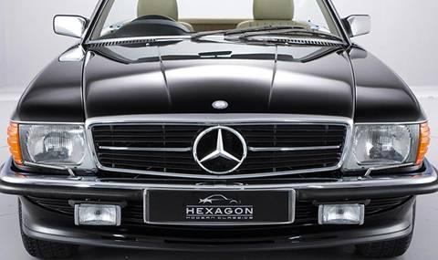 Някой да търси чисто нов 500 SL от 1989-а?