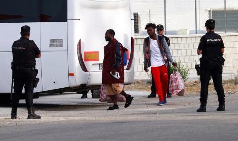 Нова схема на британското правителство позволява по-лесно депортиране