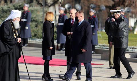 Патриарх Неофит отслужи Богоявленски водосвет на бойните знамена