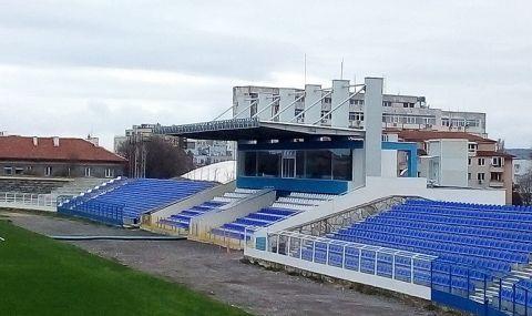Спартак Варна се закани на Лудогорец, шампионите притеснени от терена - 1