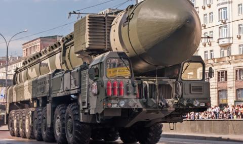 Параноя в Русия! Арестуват ракетни учени