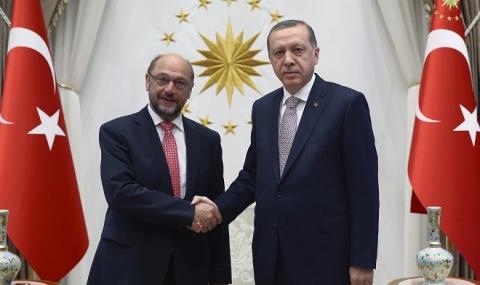 ЕП призова ЕС временно да замрази преговорите за присъединяване с Турция