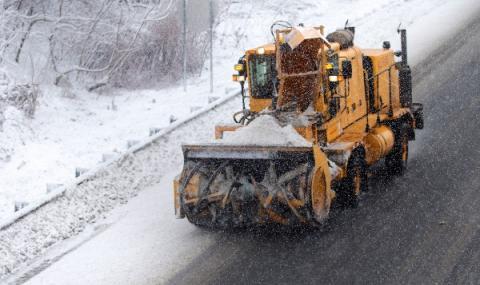 Снежна буря затрупа Канада