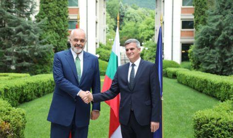 Янев и Рама обсъдиха пътя на Албания къс ЕС