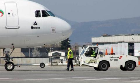 Възстановяват полетите от София до Морската ни столица
