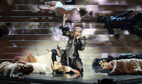 Проблем след проблем за Мадона (ВИДЕО)