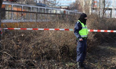Камион се заби в трамвай в София