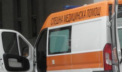 Шофьор се заби челно в самосвал, загина на място