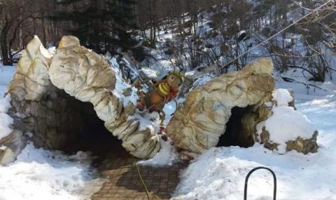"""Срути се входът на пещерата """"Леденика"""""""