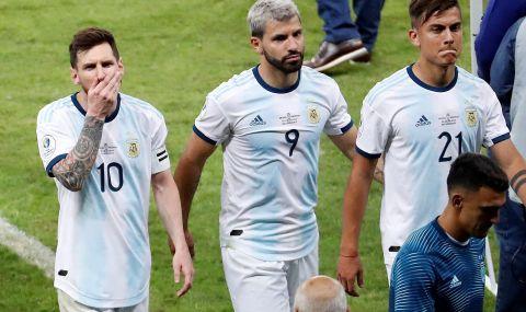 Агуеро чака Меси, за да подпише с Барселона