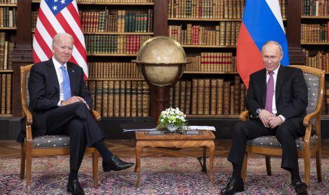 Джо Байдън с подаръци за Путин
