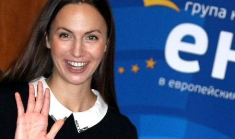 Ева Майдел: Свирепа криза е, а правителството е заето да гони ГЕРБ от НДК  - 1