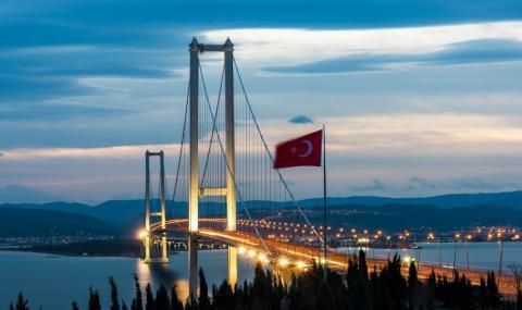 Престижните обекти на Ердоган се превръщат в бреме