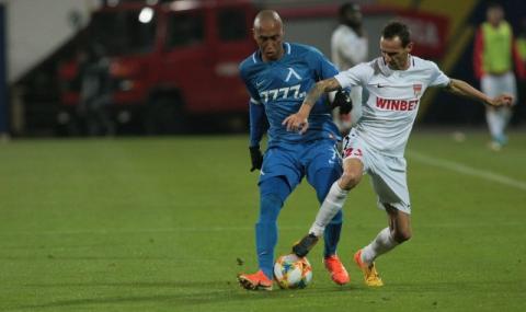Руски и арабски клубове напират за звезда на Левски