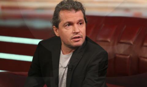 Сценарист от ''Шоуто на Слави'' каза истината за машинното гласуване пред ФАКТИ