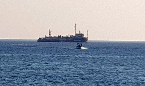 Инцидент в морето! Товарен кораб потъна край Япония